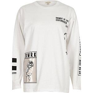 Weißes langärmliges T-Shirt mit glänzendem Rosenprint