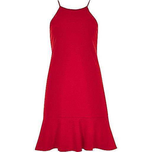 Rotes Trägerkleid mit Rüschensaum
