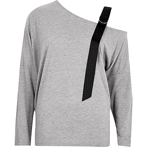 Haut gris asymétrique avec bretelle contrastante