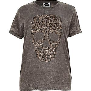 Graues Boyfriend-T-Shirt mit Leopardenmuster und Totenkopf