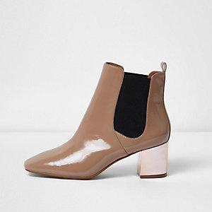 Nude patent metallic heel Chelsea boots