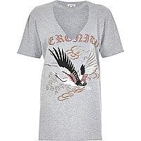 T-shirt boyfriend ras du cou gris à découpes