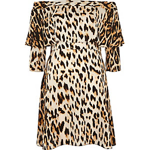 Leopard print deep frill swing dress