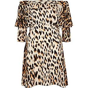 Leopard print deep frill swing dress