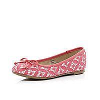 Girls coral lace ballerina pumps