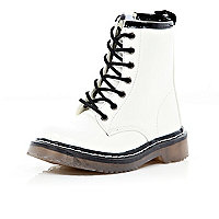 Girls white chunky boots