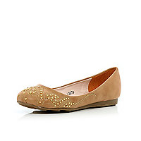 Girls biege western stud ballet pumps