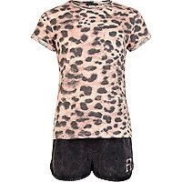 Girls pink leopard t-shirt and shorts set