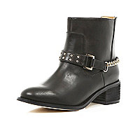 Girls black chain back ankle boots