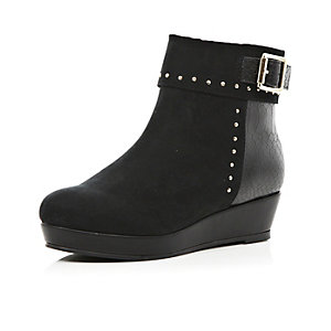 Girls black studded flatform boots