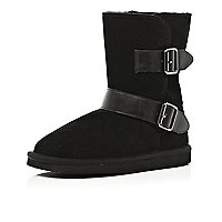 Girls black faux fur lined side buckle boots