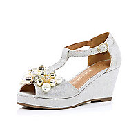 Girls silver pearl trim wedges