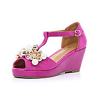 Girls pink pearl trim wedges