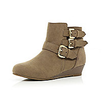 Girls beige triple buckle wedge ankle boots