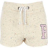 Girls cream fleck R initial shorts