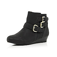 Girls black triple buckle wedge ankle boots