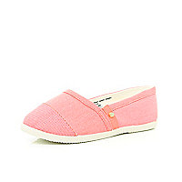 Girls coral slip on plimsolls