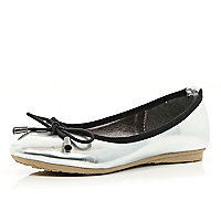 Girls silver patent ballerina shoes