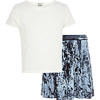 Girls white crop t-shirt and velvet skirt