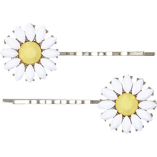 Girls white daisy hairslides