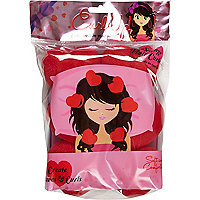 Girls pink sponge heart hair rollers
