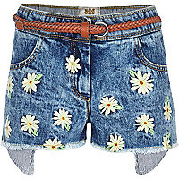 Girls medium wash daisy denim shorts