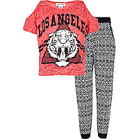 Girls pink lion print t-shirt and jogger set