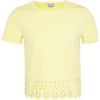 Girls light yellow scalloped hem top