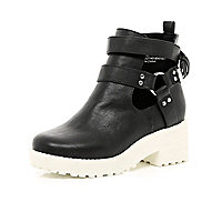 Girls black chunky white sole boots