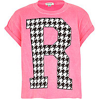 Girls pink dogtooth R print crop top