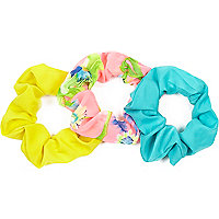 Girls pink flower scrunchie 3 pack