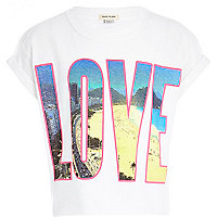 Girls love beach crop t-shirt