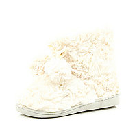 Girls cream faux fur slipper boots