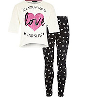 Girls cream print pyjama set