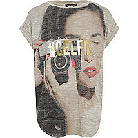 Girls grey camera girl t-shirt