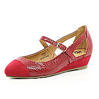Girls red pointed ballerina shoes