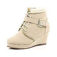 Girls cream wedge boots