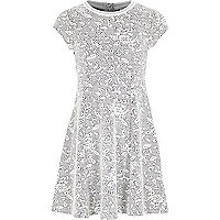 Girl black and white jacquard print dress