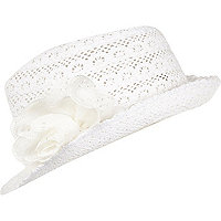 Girls white broaderie Anglais daisy hat