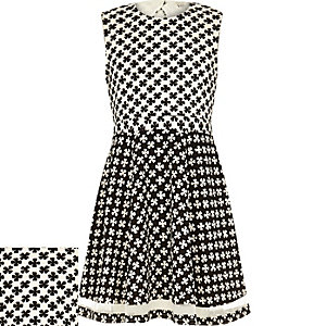 Girls black daisy print skater dress
