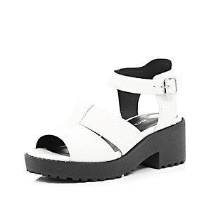 Girls white clumpy sandal
