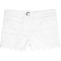 Mini girls cream crochet shorts