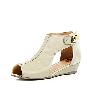 Girls cream cut out wedges