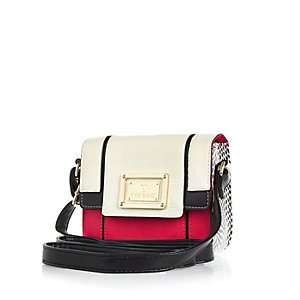 Girls red boxy handbag