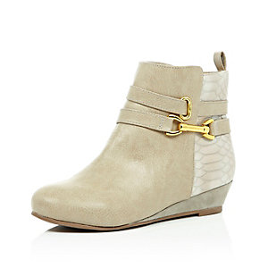 Girls cream wedge ankle boots