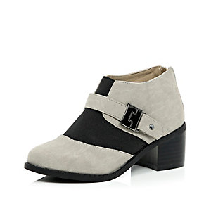 Girls grey block heel boots