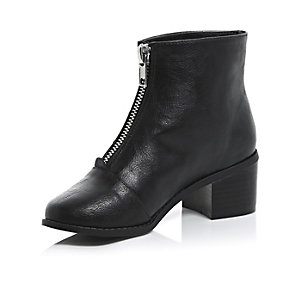 Girls black zip front block heel boots