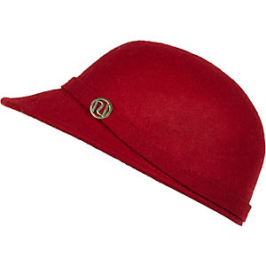Girls red felt peak hat