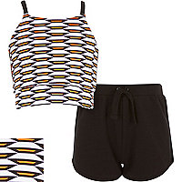 Girls white geo print crop top shorts outfit