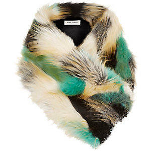Girls green faux fur tippet